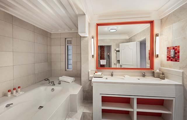 Ambre Suite - Bathroom