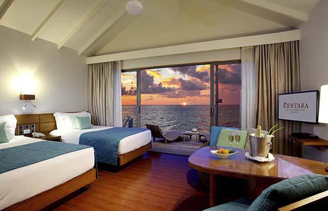 Deluxe Sunset Water Villa