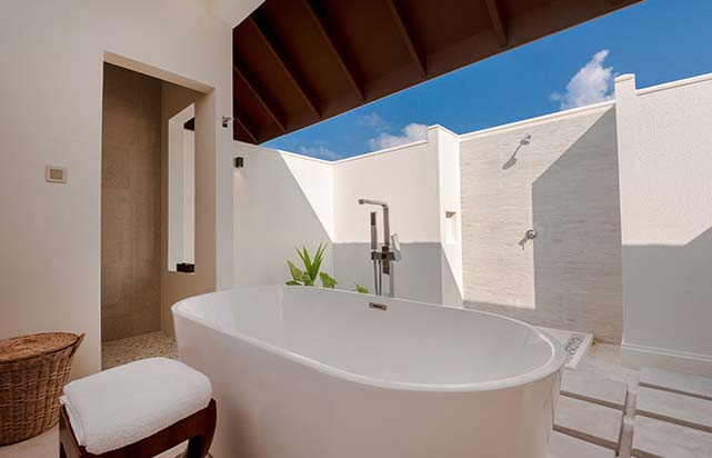 Beach Villa with Pool - Bathroom