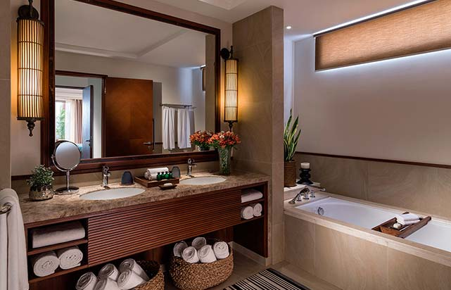 Premier Suite Bathroom