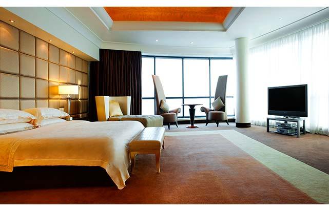 Royal Suite Master bedroom