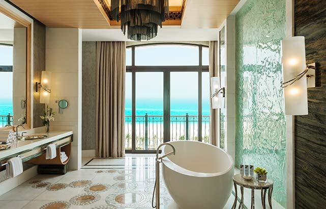 Royal Suite - Master Bathroom