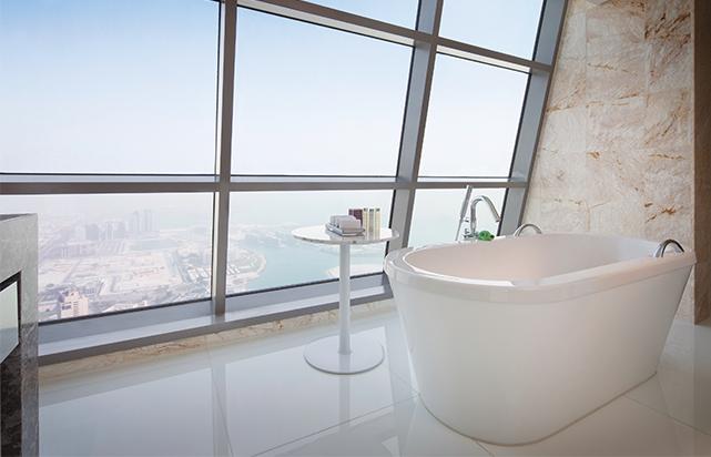 Club Suite Stand Alone Bath