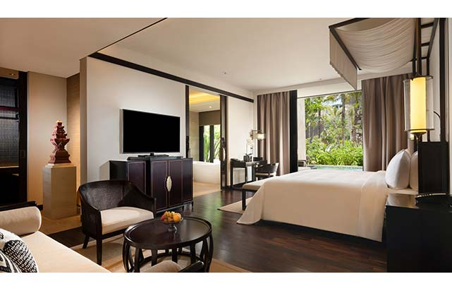 Grand Deluxe Lagoon Room