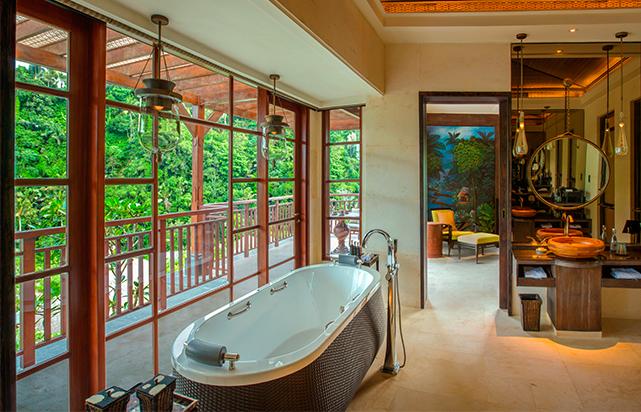Mandapa Suite bathroom