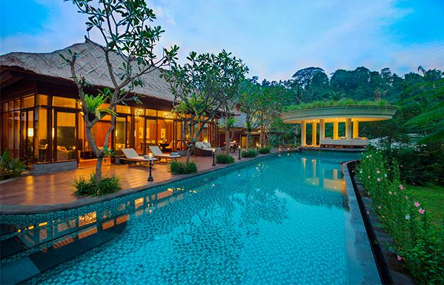 Three bedroom swimming pool
