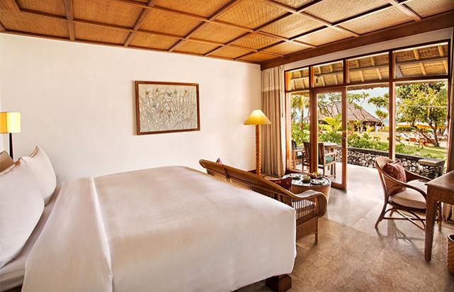 Lanai Ocean View Bedroom