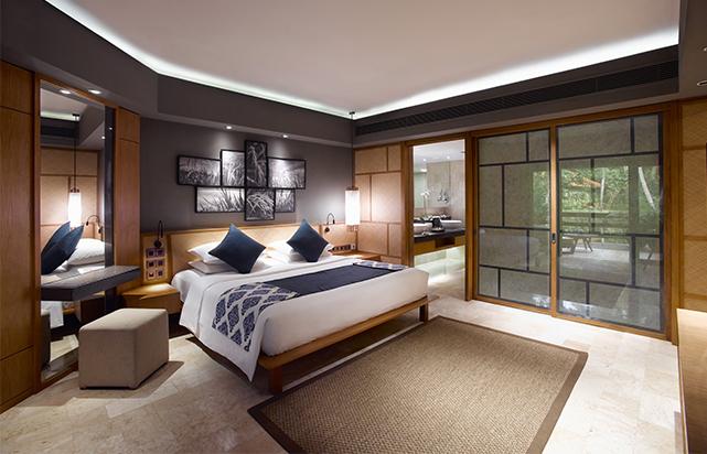 Grand Suite Bedroom