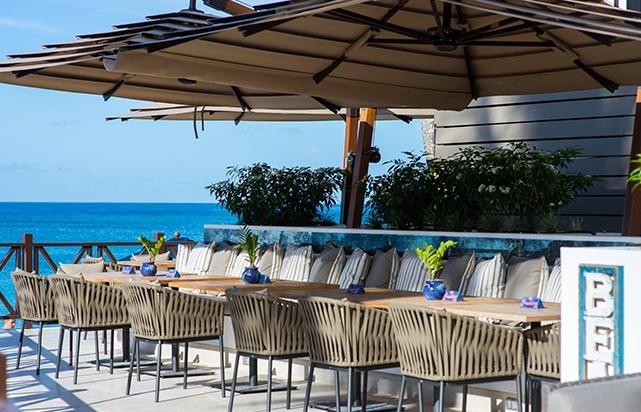 Harolds Bar Beachside Deck