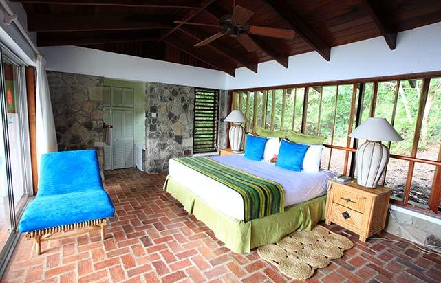 Luxury Hillside Room