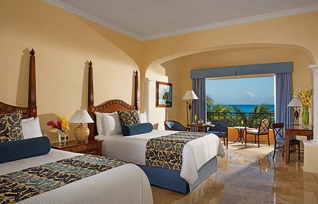 Junior Suite Ocean Front Double Beds