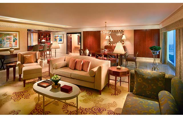 Prince Suite - Living Room