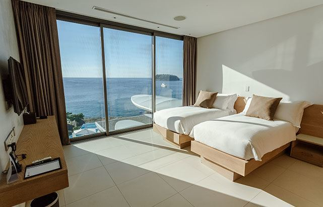Day Master Bedroom Oceanview