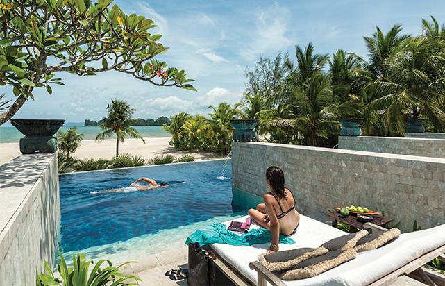 Adult Quiet Pool Private Cabana