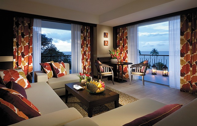 Executive Seaview Suite Living room