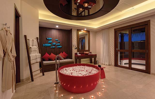 Honeymoon Water Suite - Bathroom