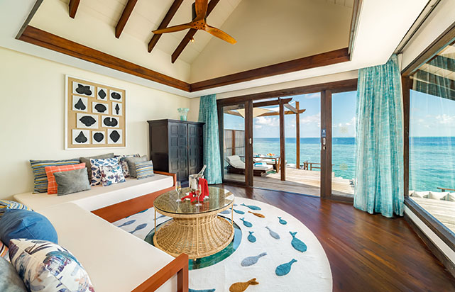 Ocean Pool Suite - Living Room