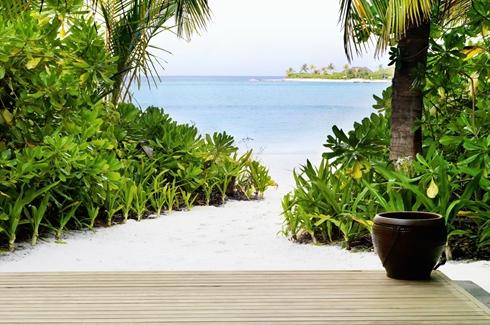 Anantara Dhigu Maldives - Beach Villa Path