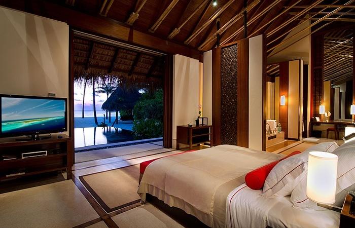 Grand Beach Villa Bedroom