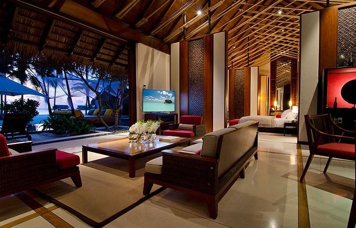 Grand Beach Villa Loung