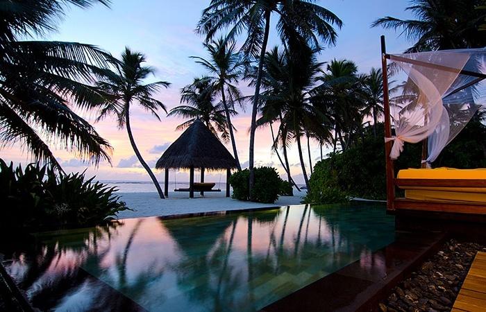 Grand Beach Villa Pool