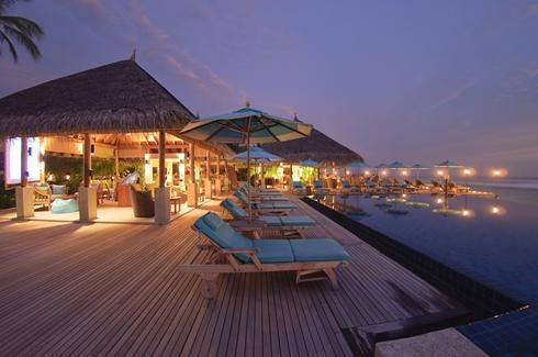 Anantara Veli Maldives - Dhuni Pool Bar
