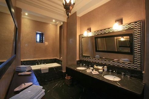 Bathroom-Junior-Suite