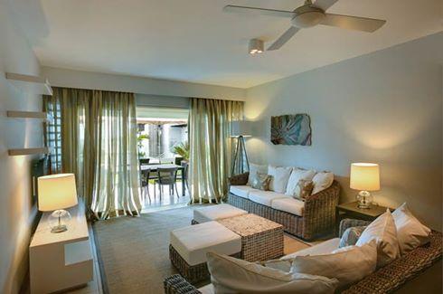 Leora Beach Apartment - Premium apartment living area