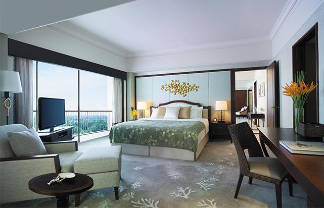 Main Wing Shangri- La Suite Bedroom
