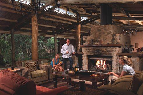 Lodge Lounge 2