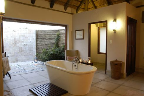Savanna Suite Bath