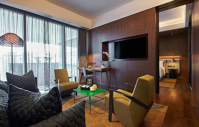 Club Suite Living