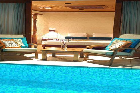 Deluxe Suite Pool