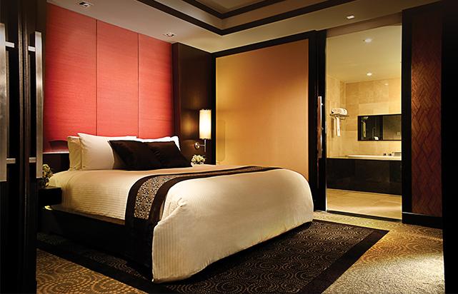 Grand Club Suite Bedroom