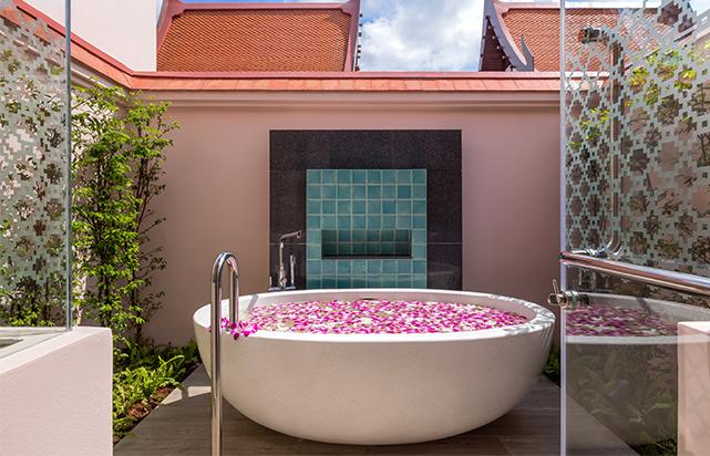 Guest Room Banyan Lagoon Bathroom