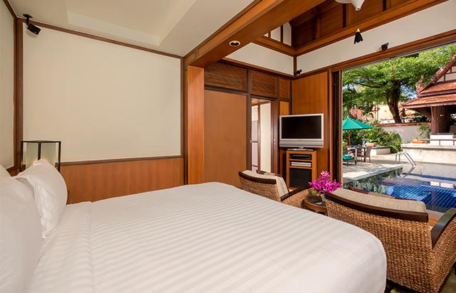 Guest Room Signature Bedroom