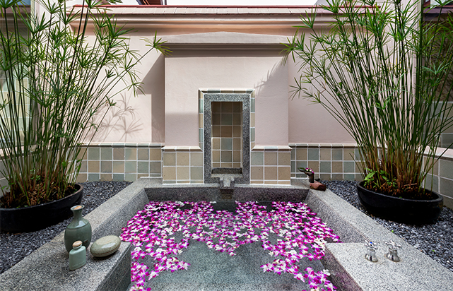 Guest Room Signature Pool Villa Bathroom