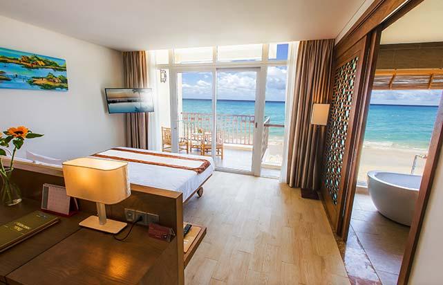 Premium Ocean Suite