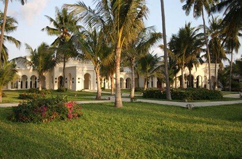 Baraza Resort Gardens